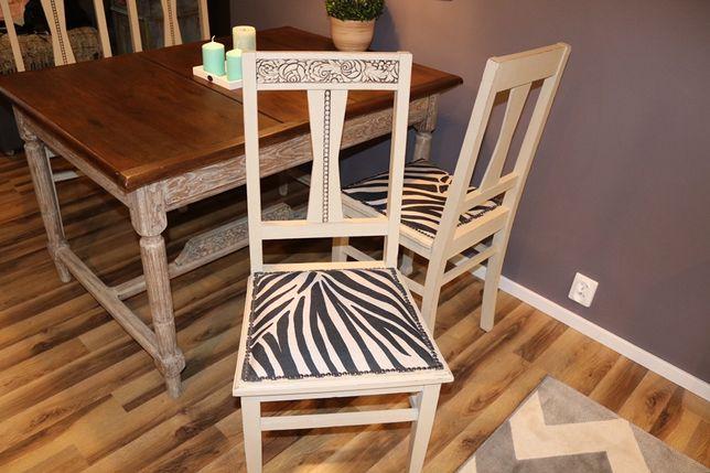 Cztery dębowe krzesła w stylu chabby chic
