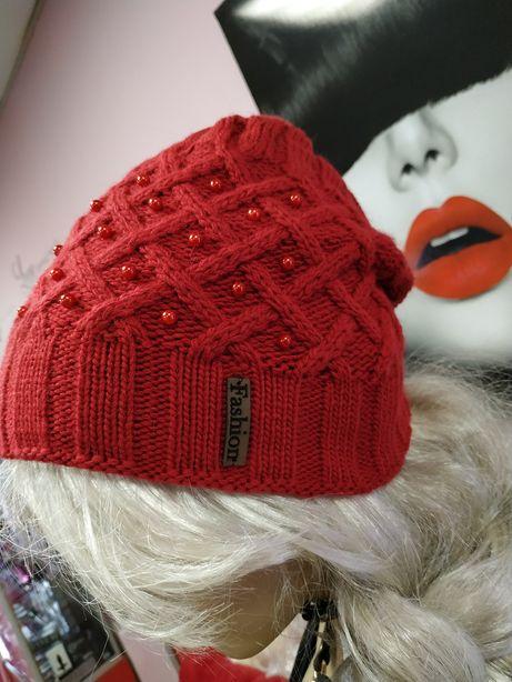 Продам очень красивую зимнюю шапку