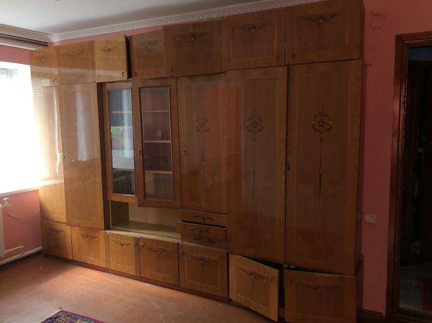 РОЗПРОДАЖ старих меблів