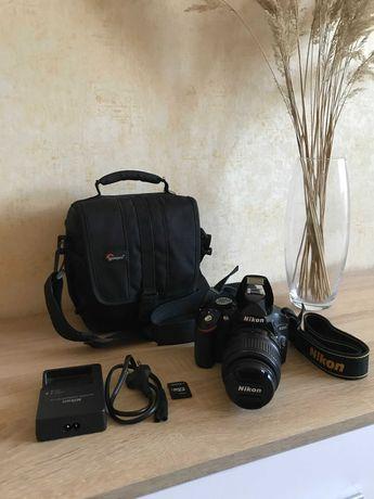 Дзеркальний фотоапарат Nikon D3200