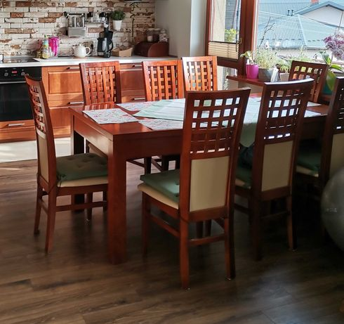 Stół + 8 krzeseł (komplet)
