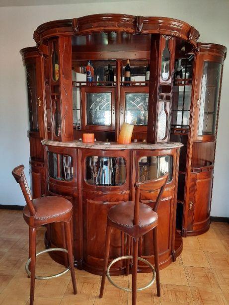 bar de sala em madeira