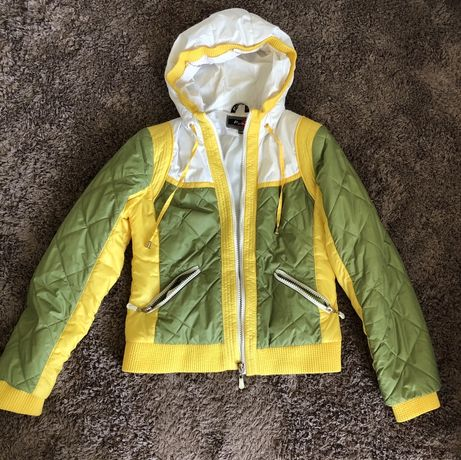 Куртка осень весна демисезонная 42 р 44 размер М
