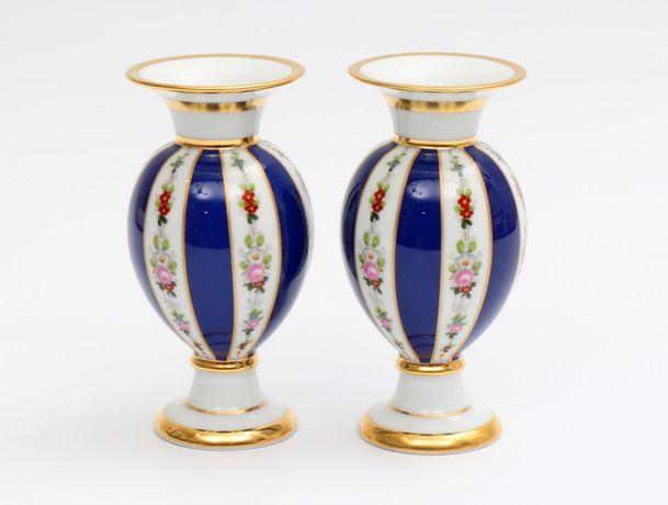 Par de jarras em porcelana da Fábrica da Vista Alegre
