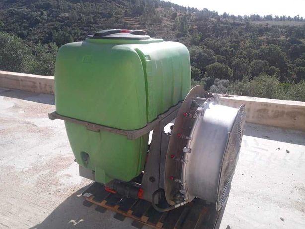 Pulverizador 500L Agrimaster com turbina