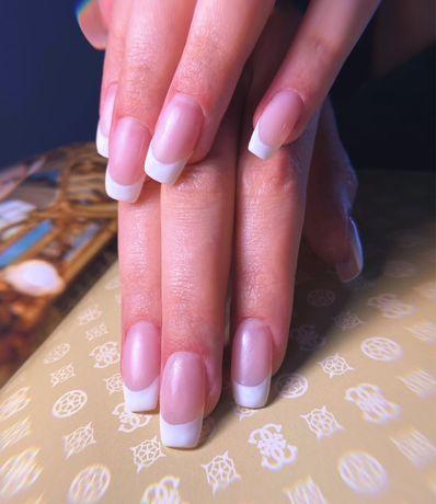 Manicure hybrydowe