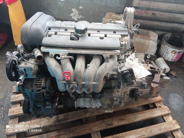 Silnik kompletny 2.4 140 Volvo v70 S80 S60 c70 b5244s1 benzyna