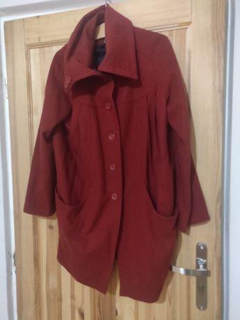 Płaszcz Zara rozmiar 40 ciemna czerwień