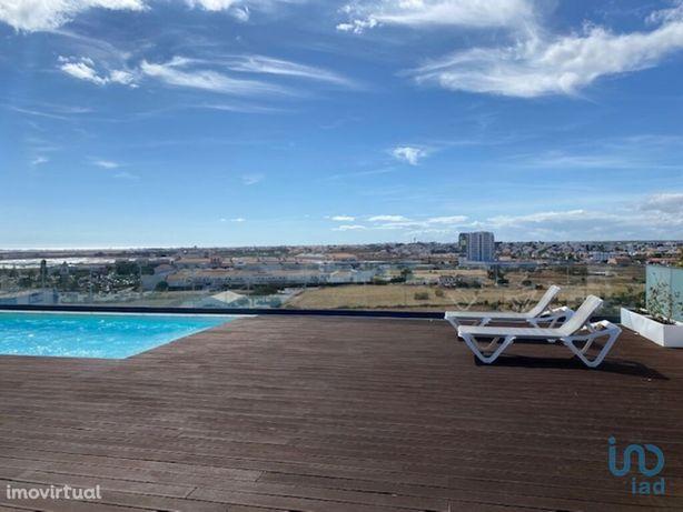 Apartamento - 108 m² - T3