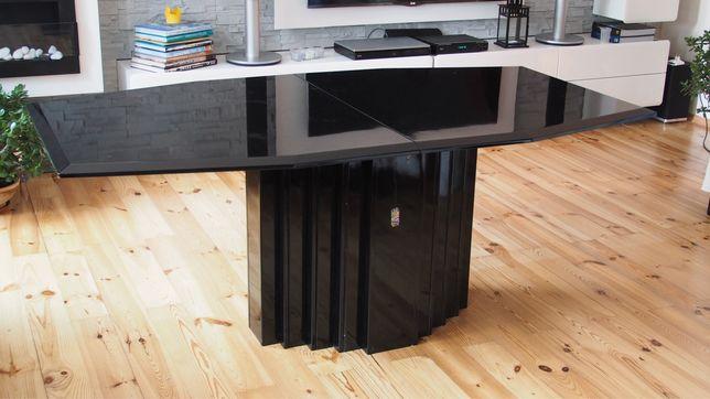 stół drewniany do salonu