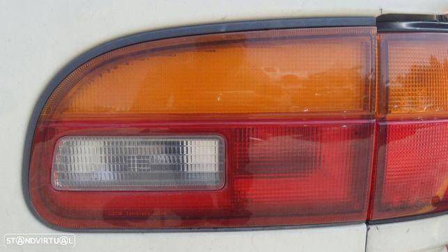 Farolim Direito Da Mala Mitsubishi L 400 Caixa (Pd_W, Pc_W, Pb_V, Pa_W