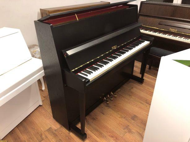 Pianino Petrof P 120 czarne