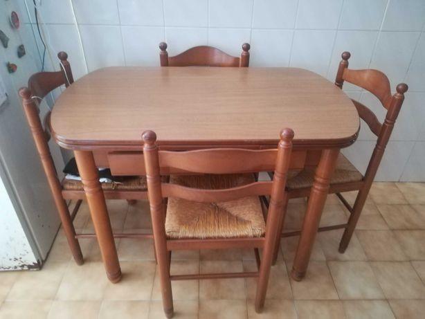 Mesa cozinha extensível + 4 cadeiras