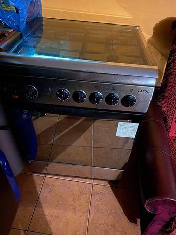 Kuchenka gazowa z piekarnikiem