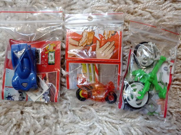 Figurki z Kinder niespodzianki auto, rower, motor - nowe