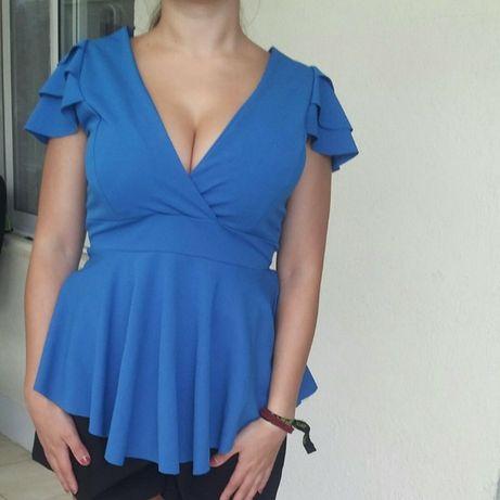 Blusa azul de cerimónia, formal e casual