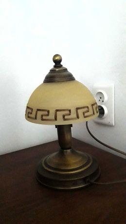 Żyrandol i lampka nocna