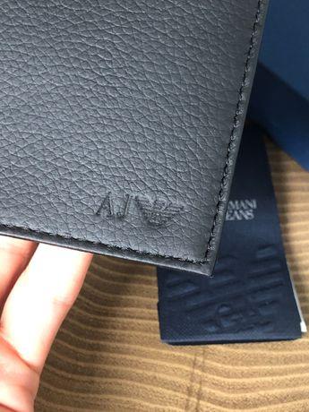 Nowy skórzany portfel Armani