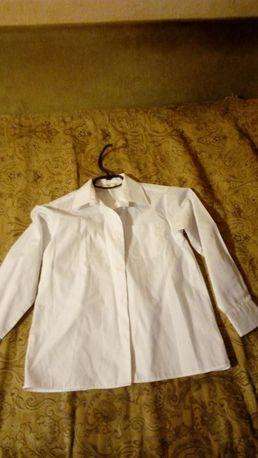 Школьная форма. Продам блузку/рубашку Marks and Spencer на рост 135 см