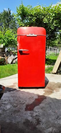 холодильник Зил-Москва в рабочем состоянии