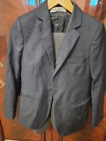 Продам 32р.пиджак в школу
