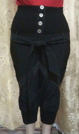 Штаны из плащёвки с широкой резинкой на бедрах