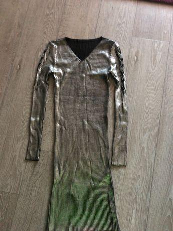 Платье обтягивающееся