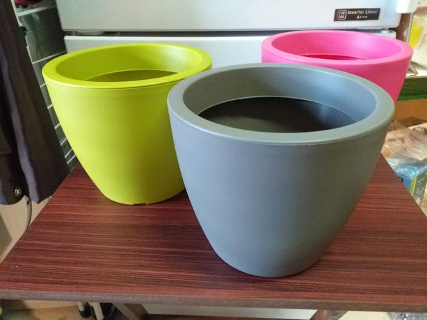 Vasos plástico,regador,cores de verão NOVOS