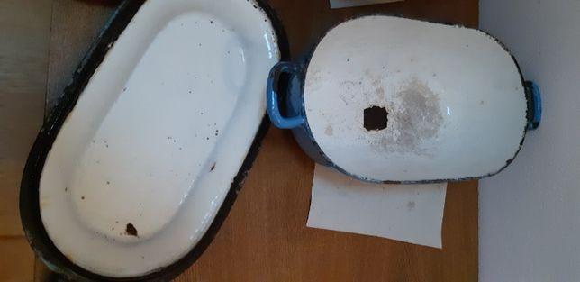 Żeliwna stara gęsiarka garnek żeliwny brytfanka