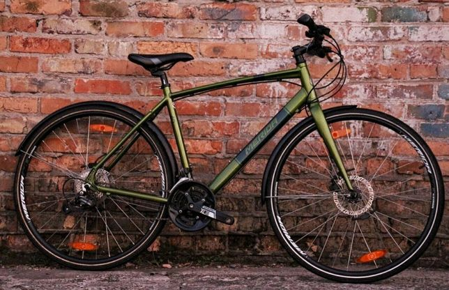 Городской велосипед Merida Crossway Urban 40. Canyon Cube Giant Trek