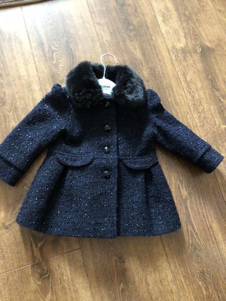 Пальто на девочеку 12м до  1 ,5года