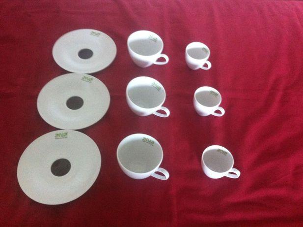 Chávenas de Chá e Café com respectivo Pires