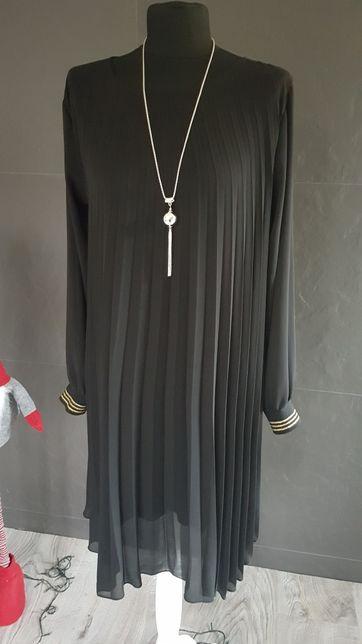 Plisa sukienka