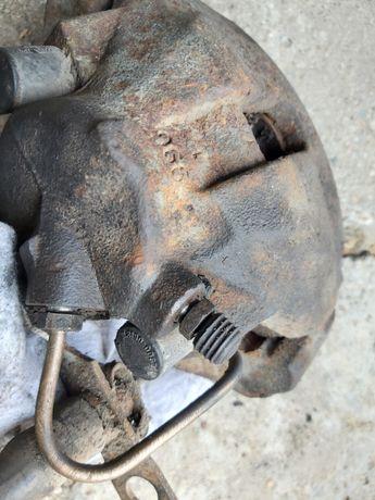 Zacisk hamulcowy lewy Audi A4 b5 1.8