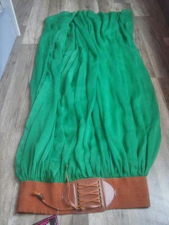 Zielona spódnica M. Bardzo ładna
