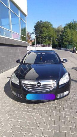 Машина Opel Insignia у гарному стані