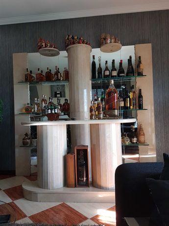 Bar de parede com balcão