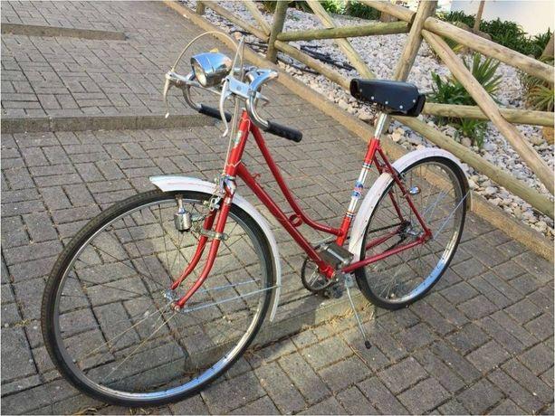 Bicicleta pasteleira antiga Órbita