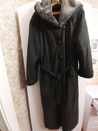 Пальто кожа натуральная с капюшоном шикарное очень большой размер