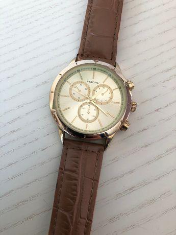 Relógio Parfois dourado com bracelete castanha
