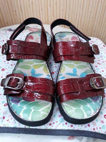 Heavenly Feet  женские сандалии из натуральной лаковой кожи