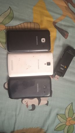 Продам 3 телефон самсунг, самсунг, леново А1000