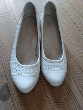 Skórzane ażurowe buty
