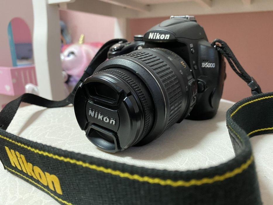 Зеркальный фотоаппарат Nikon d5000 Константиновка - изображение 1