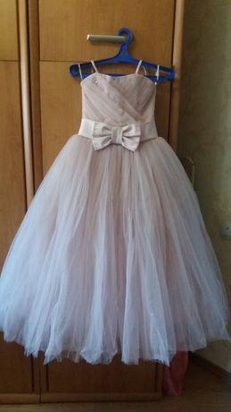 Продам шикарное платье выпускной или просто нарядное