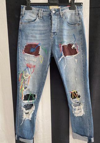 Spodnie jeansowe marki MET rozmiar 27