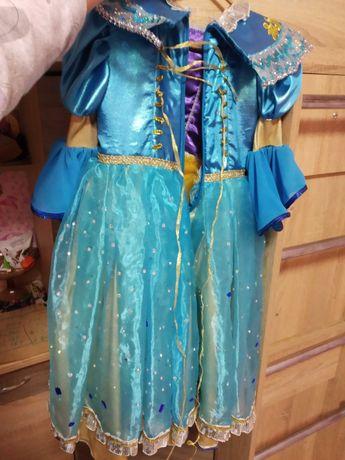 Красивое платья для девочки