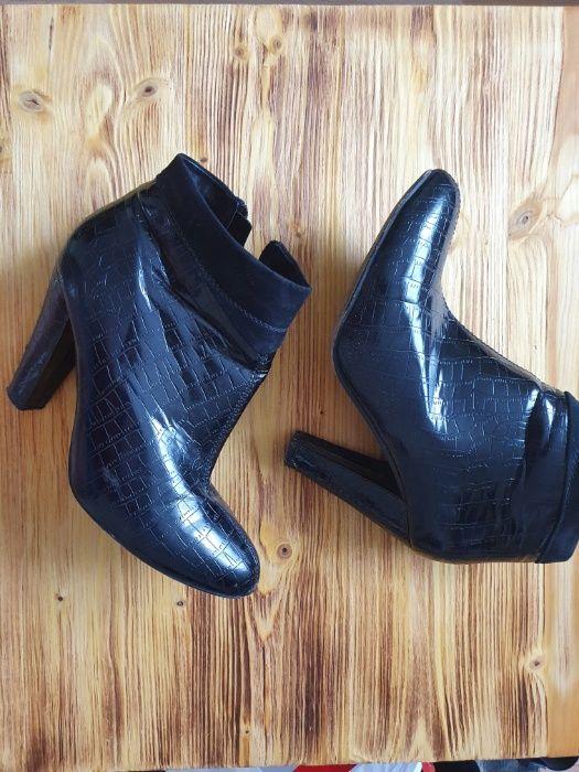 Zestaw butów damskich 39-40 Solec - image 1