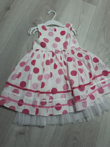 Elegancka sukienka w kropki 92