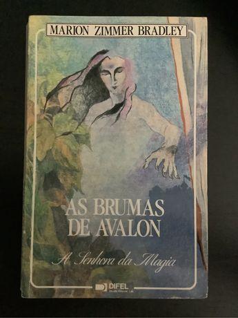 """Lote """"As Brumas de Avalon"""" - Marion Zimmer Bradley"""